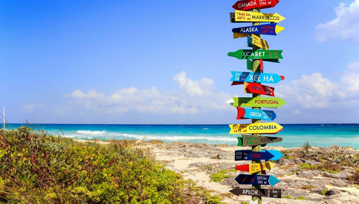 Viaggiare - spiaggia con frecce